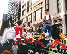 Do you wish you could have an awesome musical number out of the blue like #MatthewBroderick did in #FerrisBueller'sDayOff ? Well we're not sure about that, but you can visit the same street where it happened in the movie !