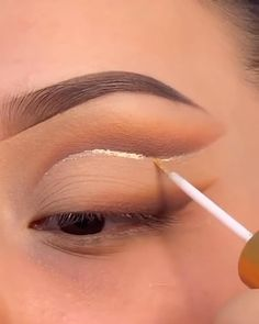 where is the crease eye makeup / where is the crease eye makeup Makeup Eye Looks, Eye Makeup Steps, Eye Makeup Art, Natural Eye Makeup, Natural Eyes, Face Makeup, 20s Makeup, Eyeliner Looks, Makeup Style