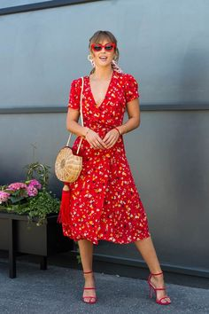Pair with classic black docs and a different bag also black cat eye sunglasses Red Dress Casual, Red Midi Dress, Casual Dresses, Floral Midi Dress, Modest Dresses, Cute Dresses, Modest Clothing, Dress Outfits, Fashion Outfits