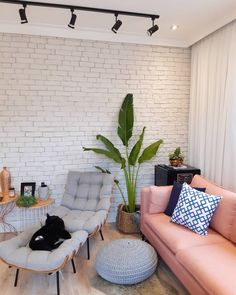 she shed interior craft Small Apartment Interior, Living Room Interior, Home Living Room, Living Room Designs, Living Room Decor, Interior Livingroom, Home Design Decor, Home Interior Design, Mediterranean Living Rooms