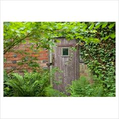 Secret entrance, Marle Place Gardens