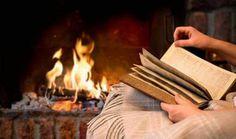 Che ne dite di un pomeriggio riscaldandosi tra le pagine di un libro? Noi non ci abbiamo pensato due volte e siamo già in modalità camino!  #leggeremania #vitadareaders #iloveread