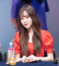 Kpop Girl Groups, Korean Girl Groups, Kpop Girls, Gfriend Yuju, Cloud Dancer, G Friend, Pop Group, South Korean Girls, Girlfriends