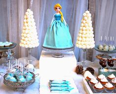 Shimmering Frozen themed birthday party via Kara's Party Ideas KarasPartyIdeas.com Tutorials, giveaways, cake, supplies, favors, food and more! #frozen #frozenparty #frozenpartyideas (3)
