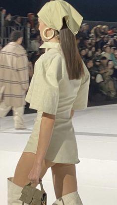 Runway Fashion, Fashion Models, High Fashion, Fashion Show, Fashion Design, Japan Fashion, Couture Fashion, Fashion Fashion, Student Fashion