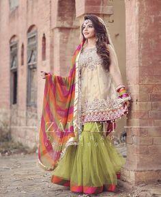 Meaningful Condition To Us - Afuni's Knowledge Hub Beautiful Pakistani Dresses, Pakistani Formal Dresses, Pakistani Party Wear, Pakistani Wedding Outfits, Pakistani Couture, Pakistani Dress Design, Indian Dresses, Pakistani Gharara, Walima