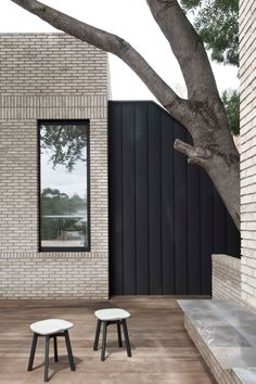 Interview: Emma Templeton of Templeton Architecture Merriwee by Templeton Architecture. Photo by Benjamin Hosking Brick Architecture, Residential Architecture, Interior Architecture, Brick Facade, Facade House, Interior Exterior, Exterior Design, Modern Interior, Natur House