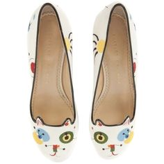 Pre-owned Charlotte Olympia White Embroidered Cat Flats (5.081.040 IDR) ❤ liked on Polyvore featuring shoes, flats, white, cat shoes, cat footwear, cat flats, cat print shoes and flat heel shoes