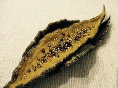 """Купить Валяная брошь из коллекции """"Лист"""" - """"Янтарно-шоколадная"""" - комбинированный, янтарно-шоколадного цвета"""