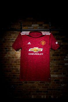 Manchester United Home Kit, Manchester United Stadium, Classic Football Shirts, Vintage Football Shirts, Soccer Kits, Football Kits, English Premier League, Old Trafford, Neymar