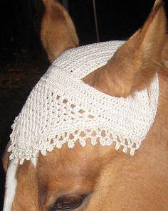 """Nordic Mart Free Pattern """"Goose"""" - Bonnet / Horse Hat in Cotton Linen"""