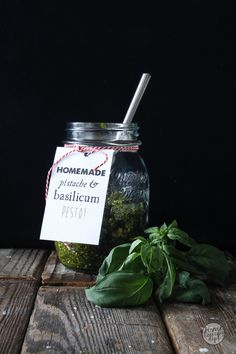 Homemade pesto / 3 geheimen van pesto maken zonder recept / Homecooking dept / In Dutch