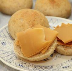 Kuvert rundstykker Kitchens, Dairy, Cheese, Food, Meal, Kitchen, Eten, Home Kitchens, Meals