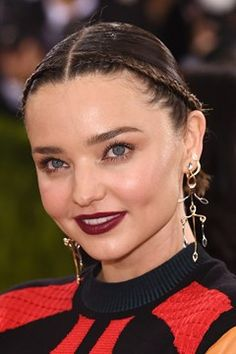 Browse the Vogue edit of the best red carpet beauty from the Met Ball All the celebrity hairstyles and make-up looks from the Met Gala Red Carpet Hair, Red Carpet Looks, Exotic Women, Dark Lips, Plaits, Miranda Kerr, Celebrity Hairstyles, Makeup Inspo, Her Hair