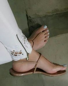 Cute Shoes Flats, Cute Sandals, Cute Toes, Pretty Toes, Brian Atwood Shoes, Beautiful Toes, Foot Toe, Bare Foot Sandals, Flat Sandals