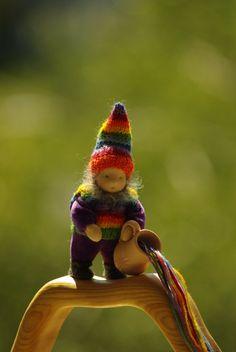 Regenbogen Gnome Waldorf Puppe / / Wesen aus Märchen von TaleWorld