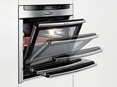 Neff oven with retractable door