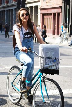 The Frisky - Photos - Street Style Spotlight: 25 Stylish Women Who Will Make You Reconsider Overalls Bike Style, Style Me, Dr. Martens, Look Fashion, 90s Fashion, Martens Style, Casual Outfits, Cute Outfits, Cycle Chic
