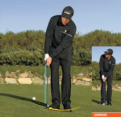 Golf Tips Swings Phil Mickelson: How To Hit 2 Basic Pitches and Chips - Golf Digest - Focus on these 4 shots to improve your short game. Golf 1, Play Golf, Disc Golf, Sport Golf, Phil Mickelson, Golf Chipping Tips, Golf Club Grips, Golf Grips, Golf Putting Tips