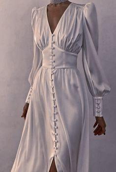 Elegant Dresses, Pretty Dresses, Beautiful Dresses, Dress Outfits, Fashion Dresses, Evening Dresses, Prom Dresses, Spring Dresses, Formal Dresses