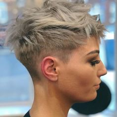 @jessallan23 Haircut by @luigi_monte #bobhaircut #undercut #carrè #sidecutstyle #bobhairstyle #rasatura #shorthair #bobhaircuts…
