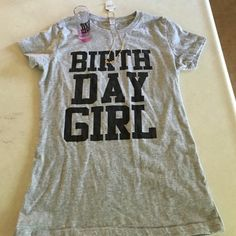 Birthday bundle shirt! 📍Price is firm! T.shirt says Birthday Girl shot glass and a necklace TAURUS. Its really cute i wore it a few hours for lunch. Shirt runs small it says Medium but fits more a *small ❗Previously listed at $20. Tops Tees - Short Sleeve