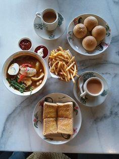 Breakfast at Bangi Kopitiam