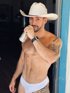 Hot Country Men, Country Boys, Hot Cowboys, Muscle Hunks, Inked Men, Wearing A Hat, Hairy Chest, Slip, Hats For Men