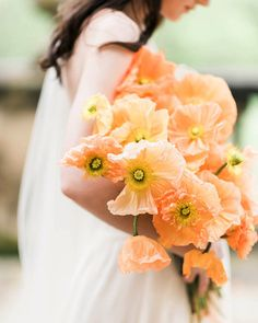 Trending Now: The Mono-Floral Look! (What it is and Why it's Wedding Day Worthy) - Green Wedding Shoes bridal bouquet of solid peach poppies- monofloral wedding inspiration, minimalist wedding bouquet. Poppy Wedding Bouquets, Poppy Bouquet, Wedding Flower Guide, Wedding Flower Arrangements, Floral Wedding, Wedding Flowers, Bridal Bouquets, Purple Bouquets, Flower Bouquets