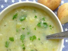 Echt een smakelijke soep die goed vult. Met aardappel en prei is dit ook nog eens een echt budgetrecept!  | http://degezondekok.nl