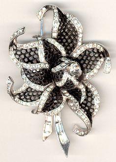 STUNNING Boucher Black Lattice Starflower Brooch 1950's (I love black & white) ~