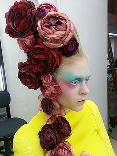 Beautiful Roses | Headpiece | photo shoot ============================= profgasparetto / eagasparetto / Dom Gaspar I ================================== www.profgasparetto21.wordpress.com ================================== https://independent.academia.edu/profeagasparetto