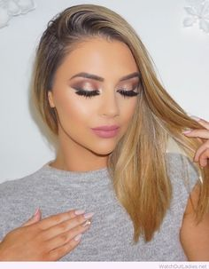 Glam nude and pink make-up and nails