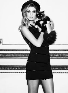Angela lindvall and cat