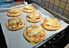 Cooking for some one is a labor of love. Pizza, Ham, Delish, Muffin, Food Porn, Toast, Baking, Vegetables, Breakfast