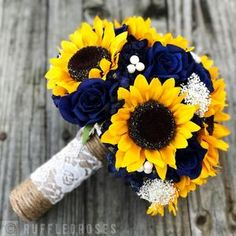 Sunflower Bridesmaid Bouquet, Blue Sunflower Wedding, Sunflower Boutonniere, Navy Bouquet, Sunflower Wedding Decorations, Sunflower Bouquets, Bride Bouquets, Wedding Flowers, Wedding Centerpieces