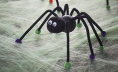 These creepy crawly spiders are great to make with little ones, and can be made in virtually any colour you like in next to no time, let's get making!