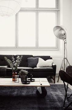 Great Artistic Black And White Modern Living Room Ideas - Home of Pondo - Home Design Home Living Room, Apartment Living, Living Room Decor, Cozy Apartment, Interior Design Trends, Interior Design Inspiration, Design Ideas, Design Projects, Black Couches