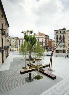 David Closes   Plaza Valldaura y Calle Camp d'Urgell, Manresa