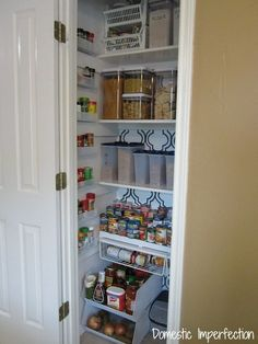 Tips and tricks for organizing a pantry and keeping it that way (even a small one!)