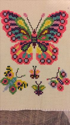 This post was discovered by mü Butterfly Cross Stitch, Cross Stitch Heart, Cross Stitch Borders, Cross Stitch Animals, Modern Cross Stitch Patterns, Cross Stitch Flowers, Cross Stitch Designs, Cross Stitching, Cross Stitch Embroidery