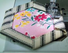 Tutorial on Hickory Nut quilt blocks - shows how to finger press then machine stitch to make quilted hexies.