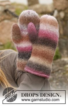 Candy Crush Gloves pattern by DROPS design Knitted Mittens Pattern, Knit Mittens, Knitting Patterns Free, Free Knitting, Free Pattern, Drops Design, Magazine Drops, Aran Weight Yarn, Yarn Brands