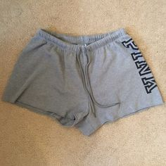 Victoria's Secret PINK soft grey drawstring louge shorts. Baddie Outfits Casual, Pink Outfits, Swag Outfits, Summer Outfits, Cute Lazy Outfits, Trendy Outfits, Love Pink Clothes, Cute Sweatpants, Cute Sleepwear
