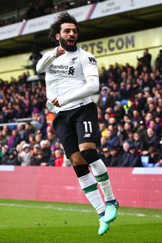 Mohamed Salah of Liverpool celebrates after scoring his sides second goal during the Premier League match between Crystal Palace and Liverpool at Selhurst Park on March 2018 in London, England. Liverpool Premier League, Premier League Soccer, Premier League Matches, Liverpool Football Club, Liverpool Fc, Premier League Goals, Neymar Football, Football Players, Crystal Palace