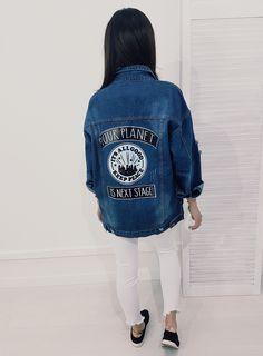 Dłuższy model jeansowej katanki z kołnierzem. Katana, Planets, Denim, Jeans, Model, Jackets, Fashion, Down Jackets, Moda