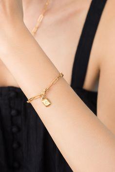 Stackable Bracelets, Link Bracelets, Dainty Bracelets, 18k Gold Bracelet, Leaf Jewelry, Leaf Pendant, Jewelry Design, Statement Earrings, Chain
