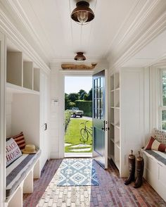Mudroom Ideas – A mudroom may not be a very essential part of the house. Smart Mudroom Ideas to Enhance Your Home Style At Home, Flur Design, Mudroom Laundry Room, Brick Flooring, Brick Pavers, Penny Flooring, Farmhouse Flooring, Ceramic Flooring, Modern Flooring