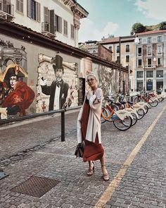 Lastday #MFW  @kiabi_italia #kiabi_italia #LaFelicitàTiDona #chiaralosh #outfit #outfitoftheday #ootd #fashion #fashionweek #style #look #kiabi #milano #milan #city #today #girl #blogger #artist #murales #painting