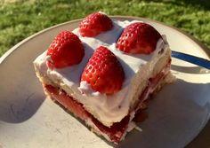 Eperszép tiramisu🍓 | Girán Julcsi receptje - Cookpad receptek Tiramisu, Cheesecake, Strawberry, Fruit, Food, Cheesecakes, Essen, Strawberry Fruit, Meals